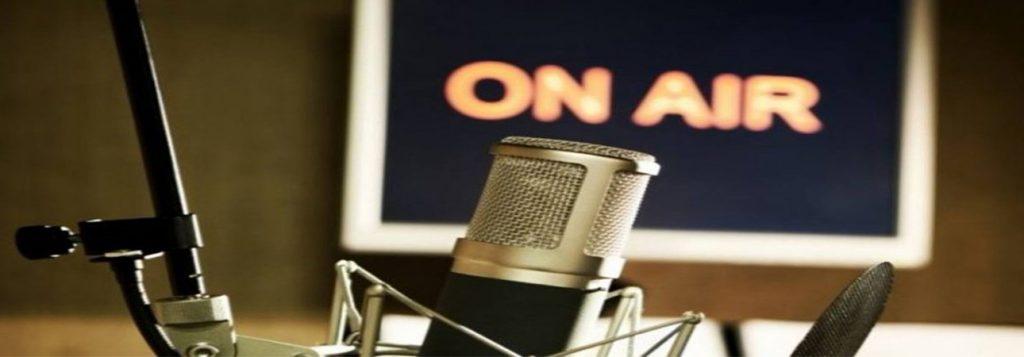 escuchar estaciones de radio en vivo por Internet gratis